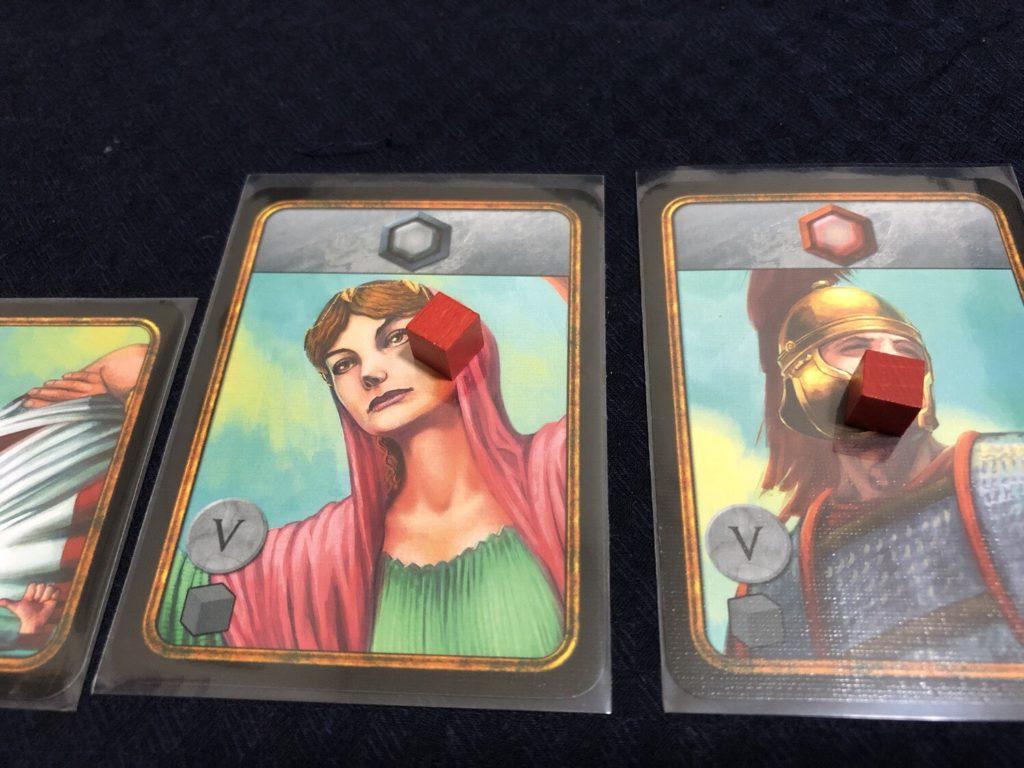 ウェスタの巫女とローマ兵にキューブが配布される