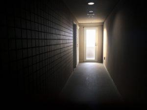 病院の出入口
