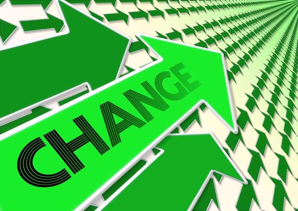 「Change」と矢印のイラスト